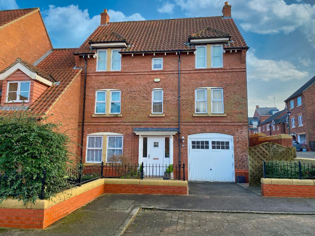 4 bedroom End Terraced For Sale
