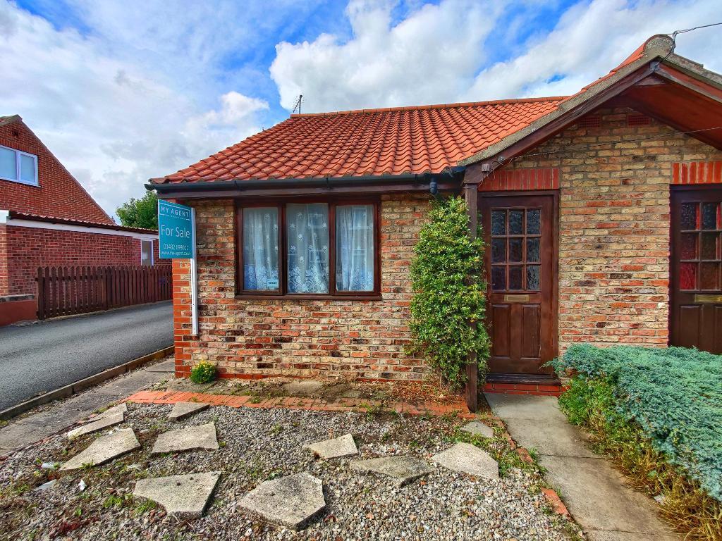 1 bedroom Semi-detached bungalow For Sale