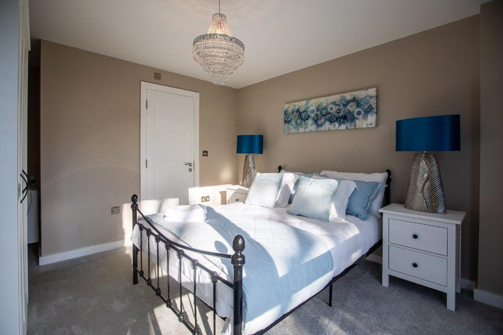 2 bedroom Apartments For Sale